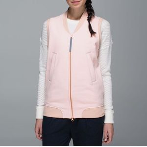 Lululemon departure vest in pink